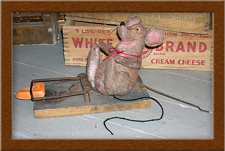 Jinx the Happy Mouse-mouse, cheese, happy, Jinx, primitive, warm and natural, trap